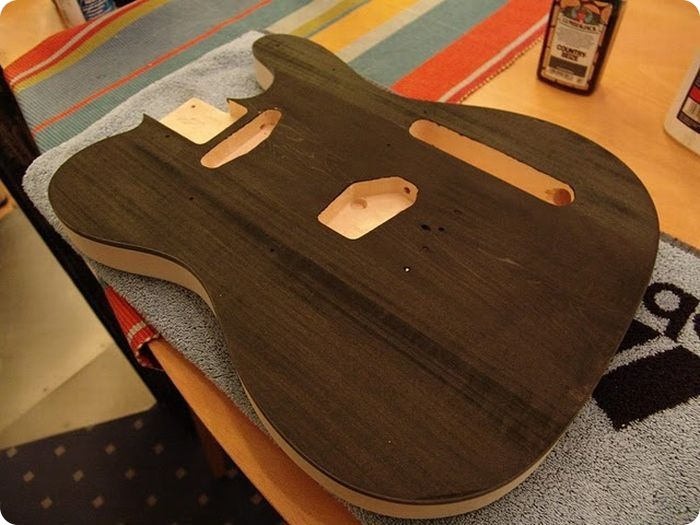 Making electric guitar (53 photos) / Interesting / Show Me Fact